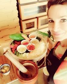Alexandra Kamp beim Thai-Kochkurs auf Kho Samui.