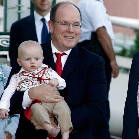 Fürst Albert II., Fürstin Charlène und ihre Zwilline Jacques und Gabriella