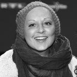 """Die Abschiede 2016: 8. April: Hendrikje Fitz (54 Jahre) Nach einem tapferen Kampf gegen den Krebs ist """"In aller Freundschaft""""-Star Hendrikje Fitz nun gestorben."""