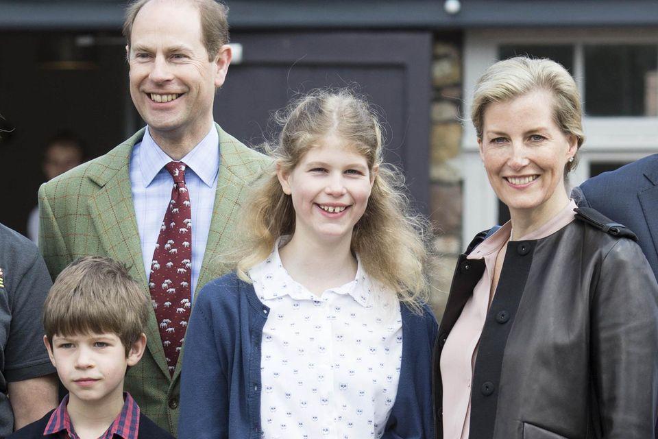 Prinz Edward mit seinen Kinder James und Louise sowie Ehefrau Gräfin Sophie