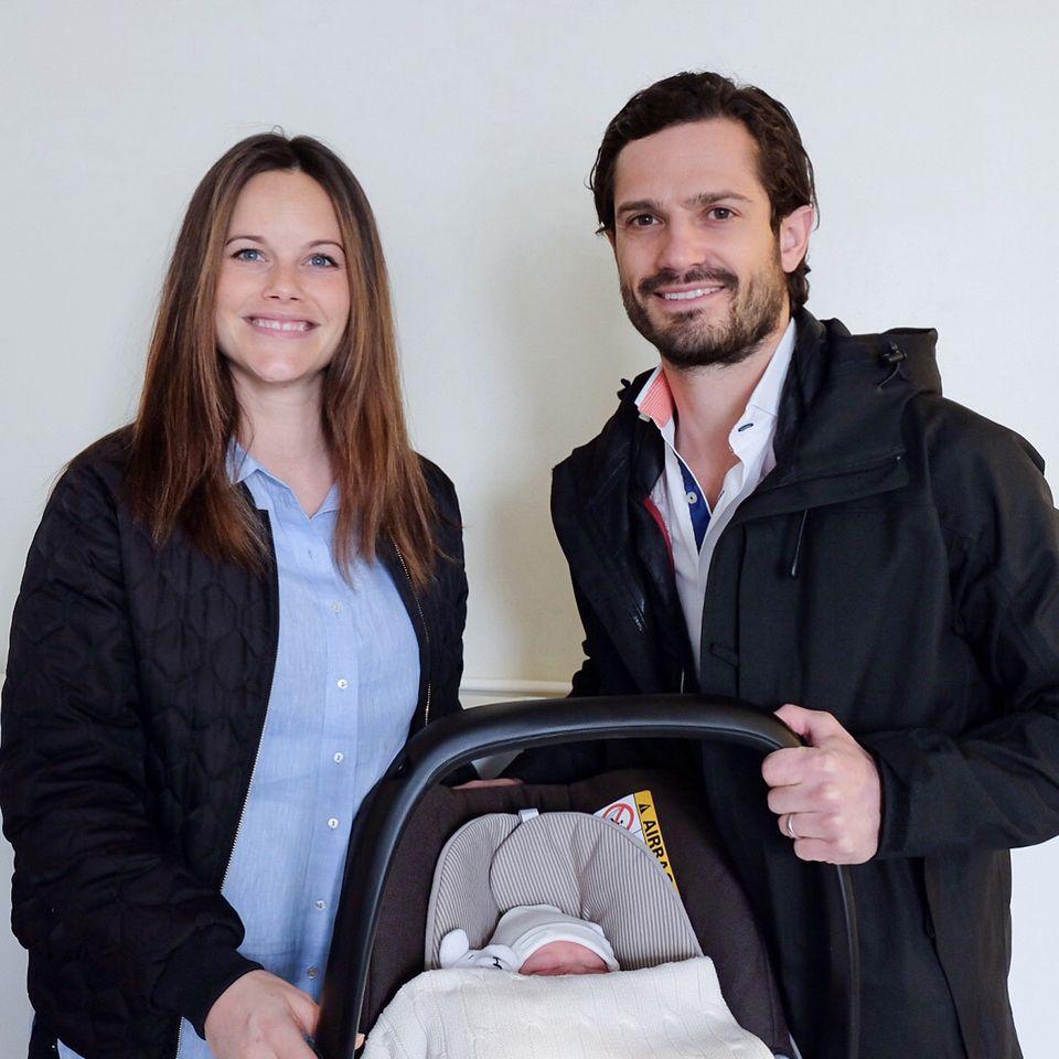 Prinzessin Sofia und Prinz Carl Philip mit ihrem Baby