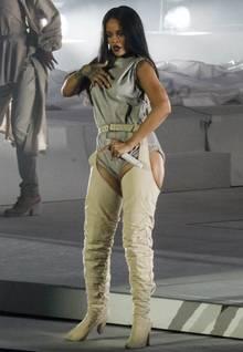 Rihanna zeigt sich bei ihrem Konzert in Seattle mit ein paar Pfunden mehr auf den Rippen.