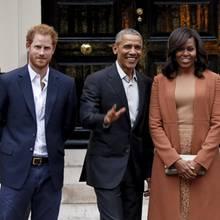 Neulich am Kensington-Palast: Im April 2016 besuchten Barack und Michelle Obama Großbritannien und trafen dort in der Wohnung von Prinz William und Herzogin Catherine auch auf den ewigen Dritten im Bunde, Prinz Harry.