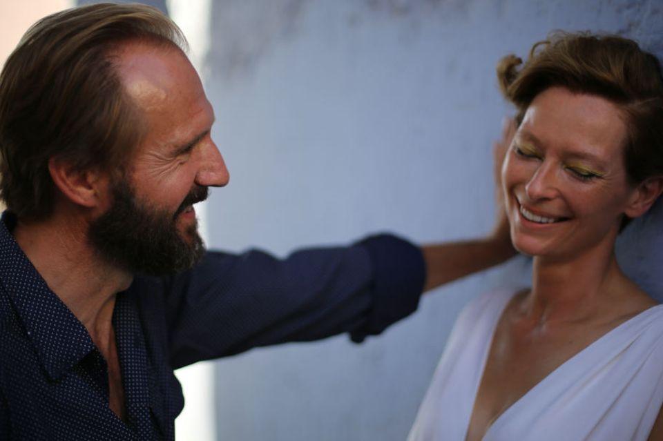 Harry (Ralph Fiennes) und Marianne (Tilda Swinton) waren früher mal ein Paar - und mögen sich immer noch.