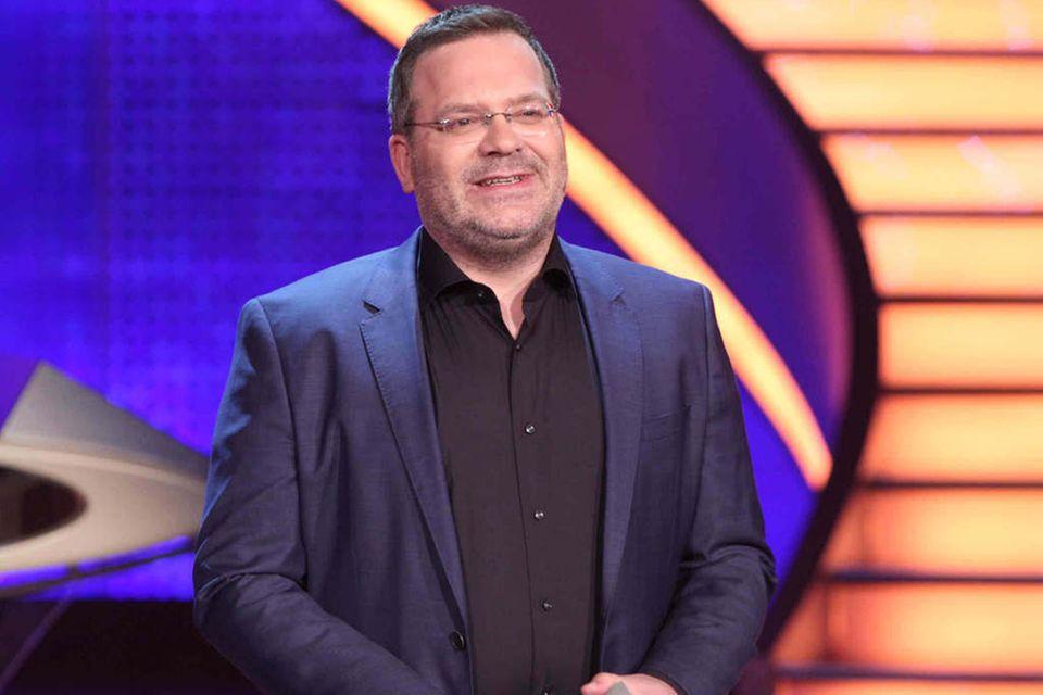 """""""Schlag den Star""""-Moderator Elton begrüßt am 7. Mai die Duellanten Arne Friedrich und Johannes Strate."""