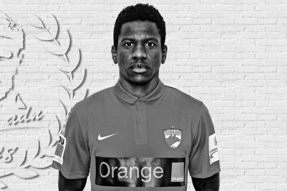Patrick Ekeng (†) verstirbt nach Fußballspiel.