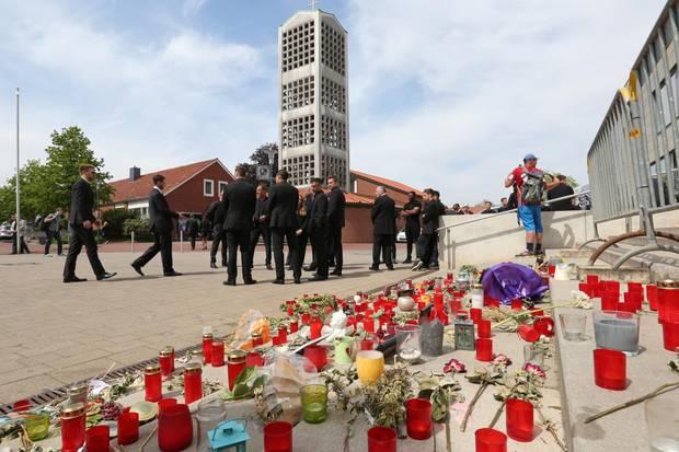 Trauerfeier für 96-Spieler Niklas Feierabend in der Trinitatis-Kirchengemeinde in Hemmingen.