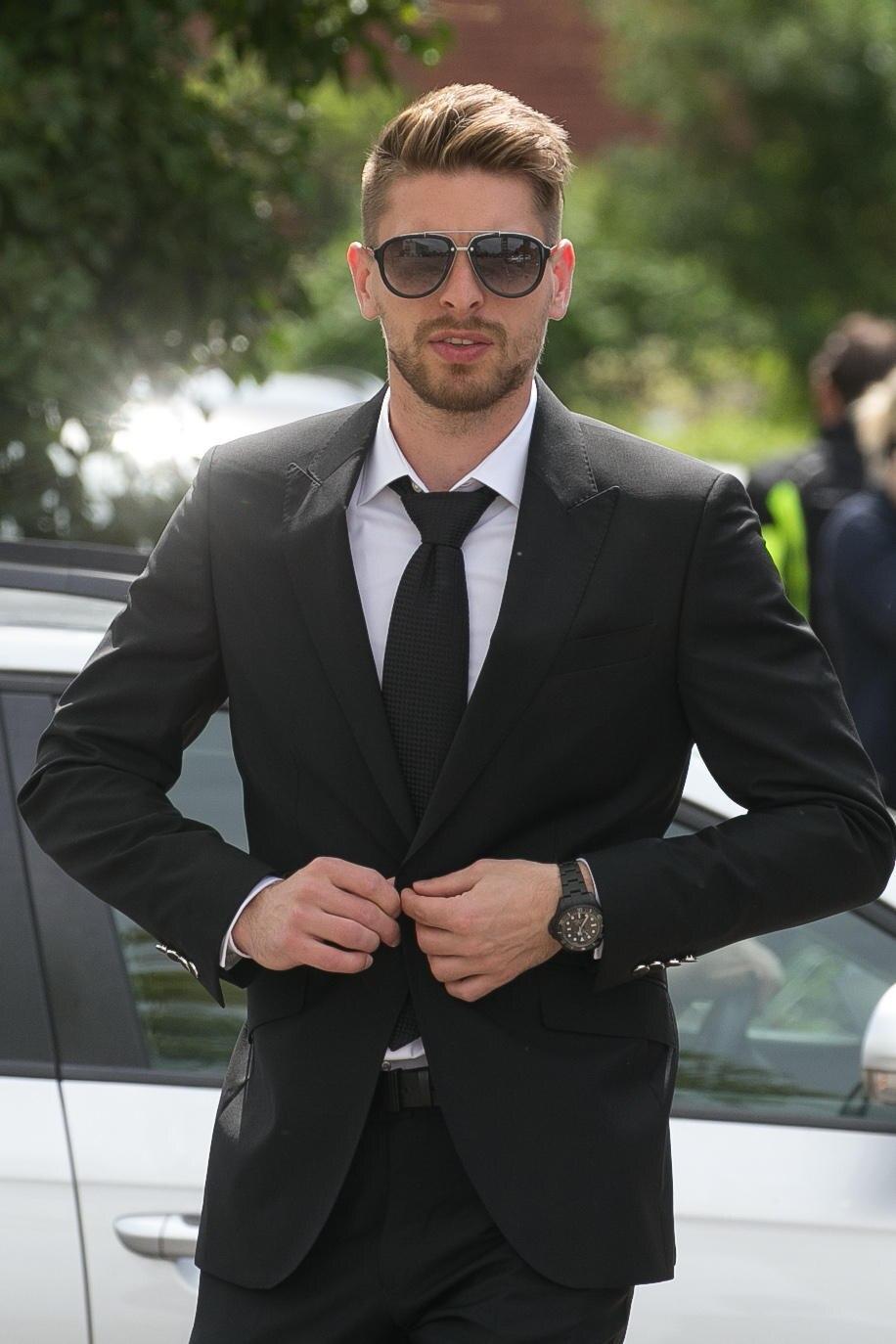 Ron Robert Zieler bei der Trauerfeier für NIklas Feierabend.