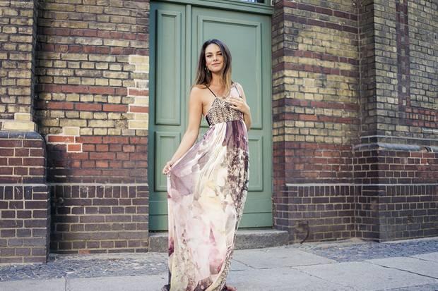 Sie hat Klasse und einen relaxten Stil: Janina Uhse ist Schauspielerin und Stil-Ikone.