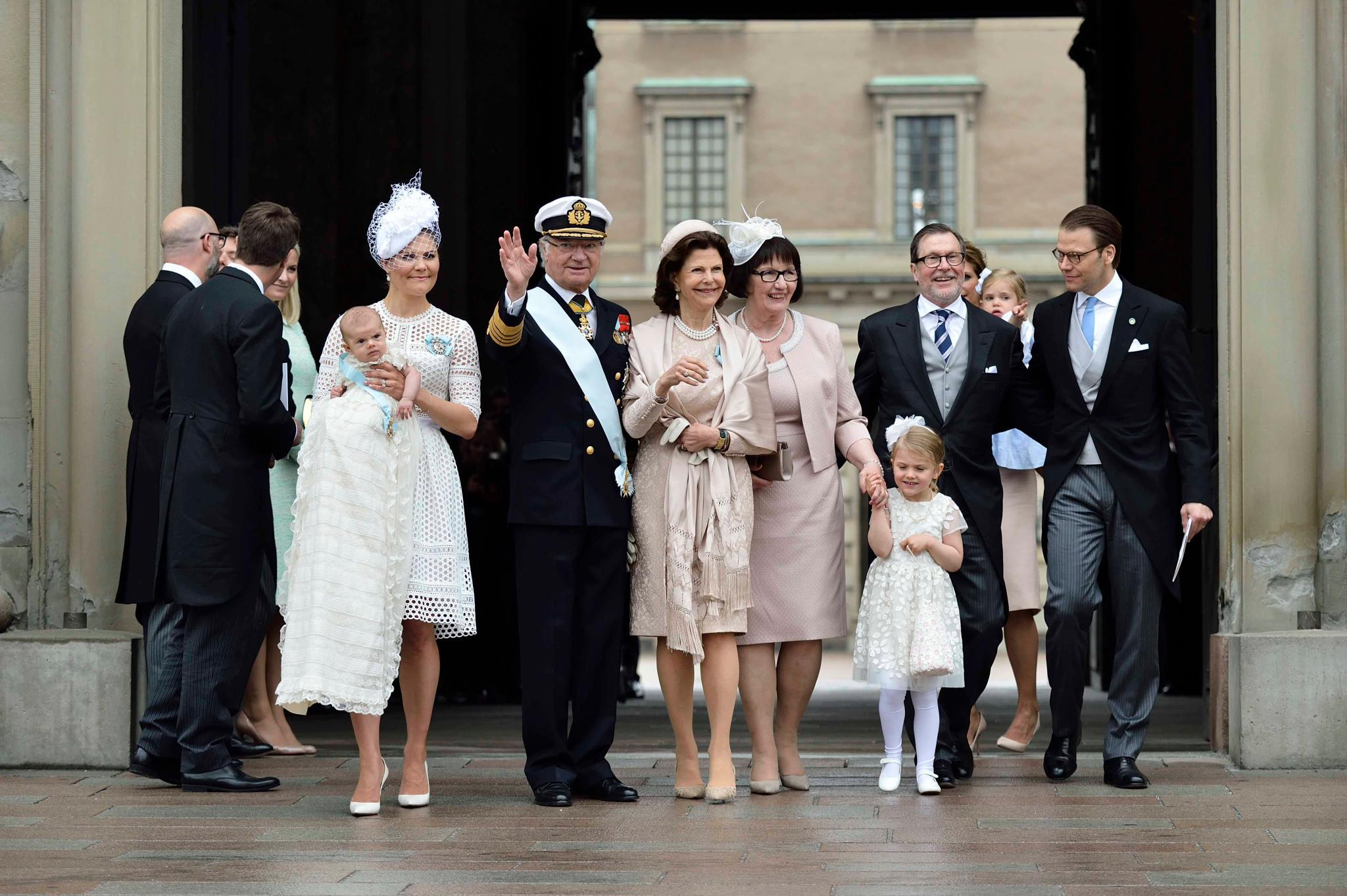 Taufe In Schweden Live Dabei Das Passiert Bei Prinz Oscars