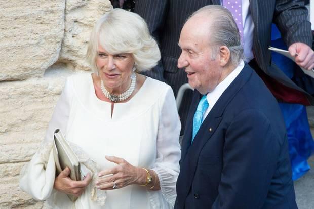 Protokollarisch waren sie die Gäste mit dem höchsten Rang: Herzogin Camilla aus Großbritannien und Ex-König Juan Carlos von Spanien im Plausch der älteren Semester.
