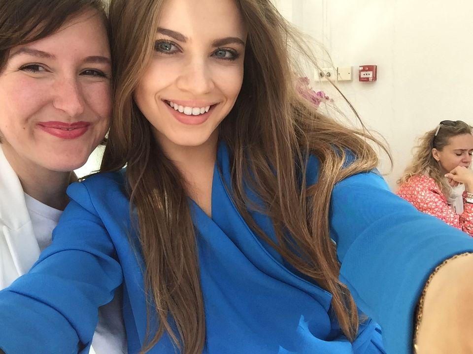 Redakteurin Lisa mit Xenia Tchoumi in Cannes
