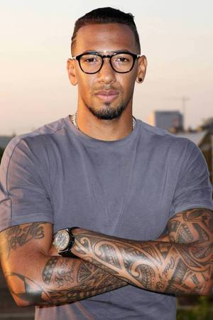 jerome boateng das bedeuten seine tattoos. Black Bedroom Furniture Sets. Home Design Ideas