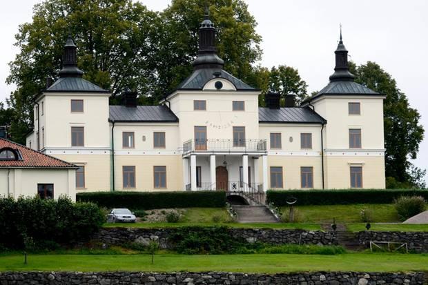Gut Stenhammar liegt nahe der Stadt Flen in der Provinz Södermanland inmitten eines Landschaftsschutzgebietes.