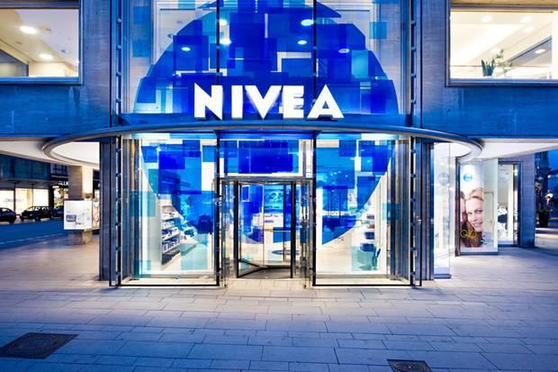 Happy Birthday! Genau vor zehn Jahren eröffnete in Hamburg das erste blaue Niveahaus