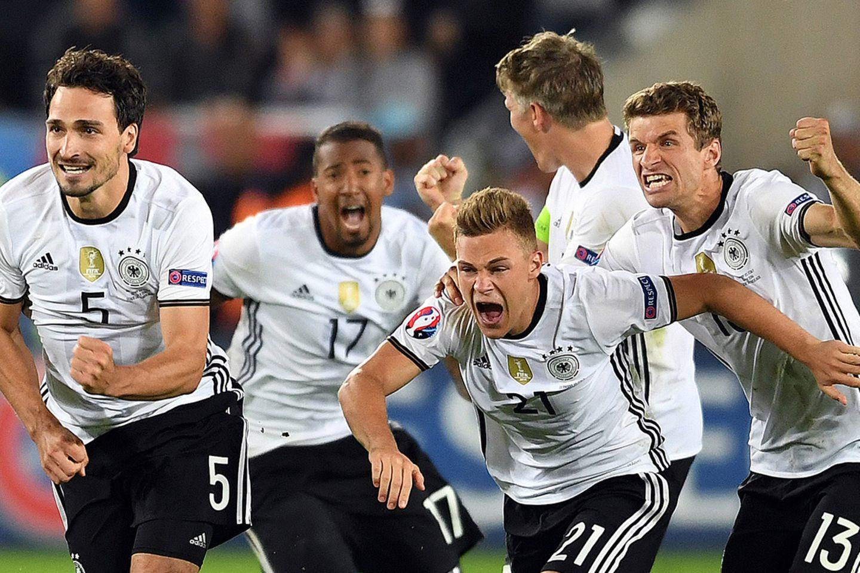 Das deutsche Team jubelt.
