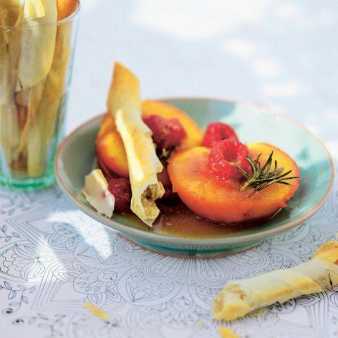 Pochierter Pfirsich