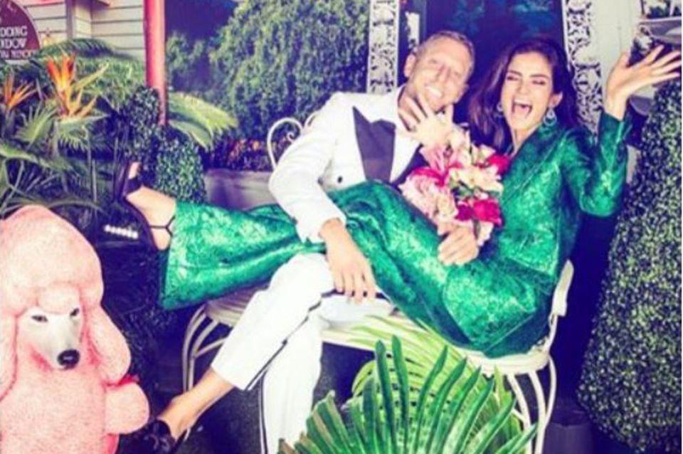"""Die """"Hochzeit"""" mit Lapo bei Lilly Beckers 40. Geburtstag war (noch) ein Fake ..."""