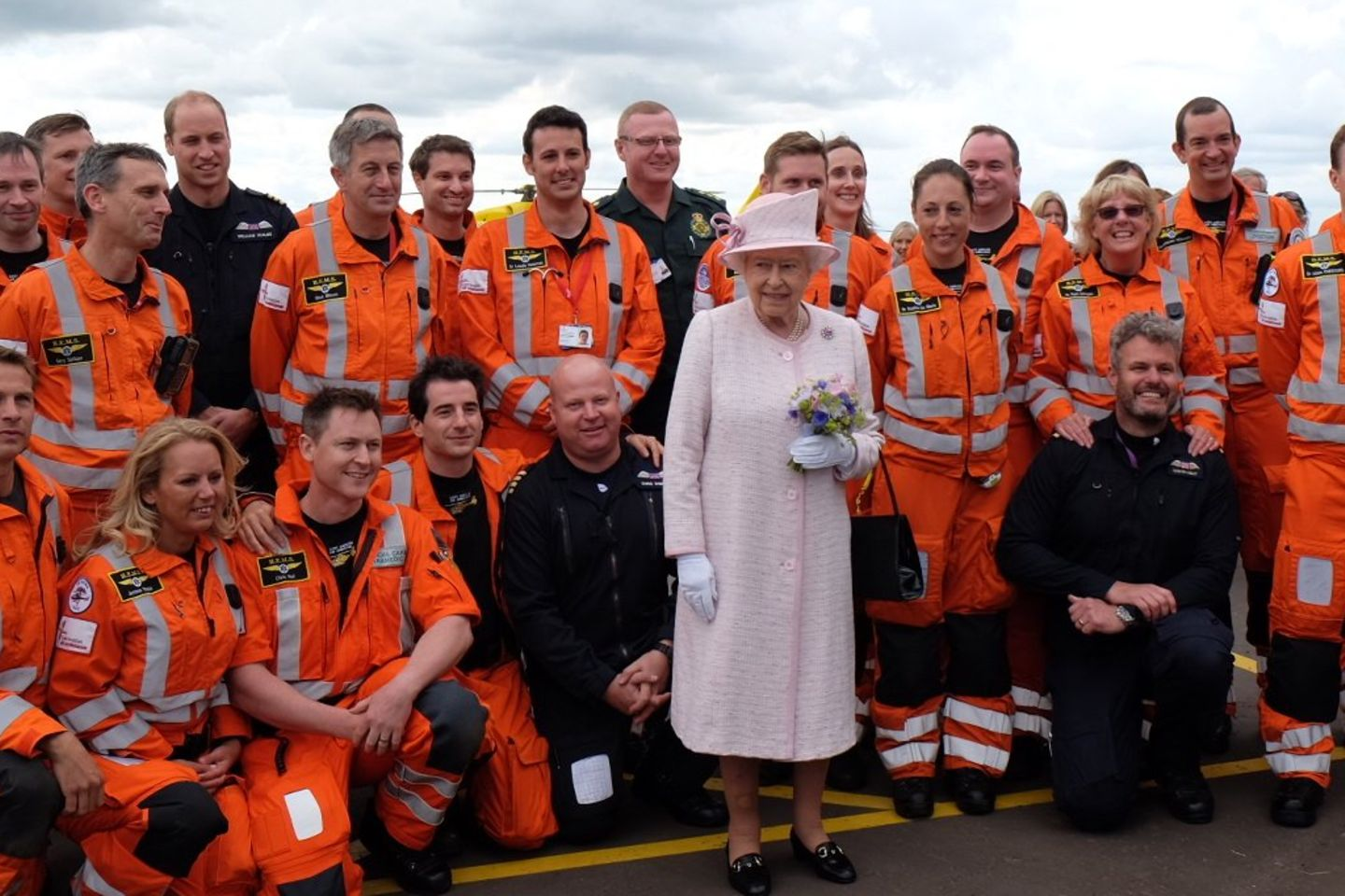Prinz William, Queen Elizabeth, East Anglian Air Ambulance