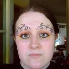 """Wenn """"Augenbrauen tätowieren"""" falsch verstanden wird..."""