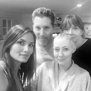 Shannen Doherty mit ihrer Mutter Rosa und zwei engen Freunden