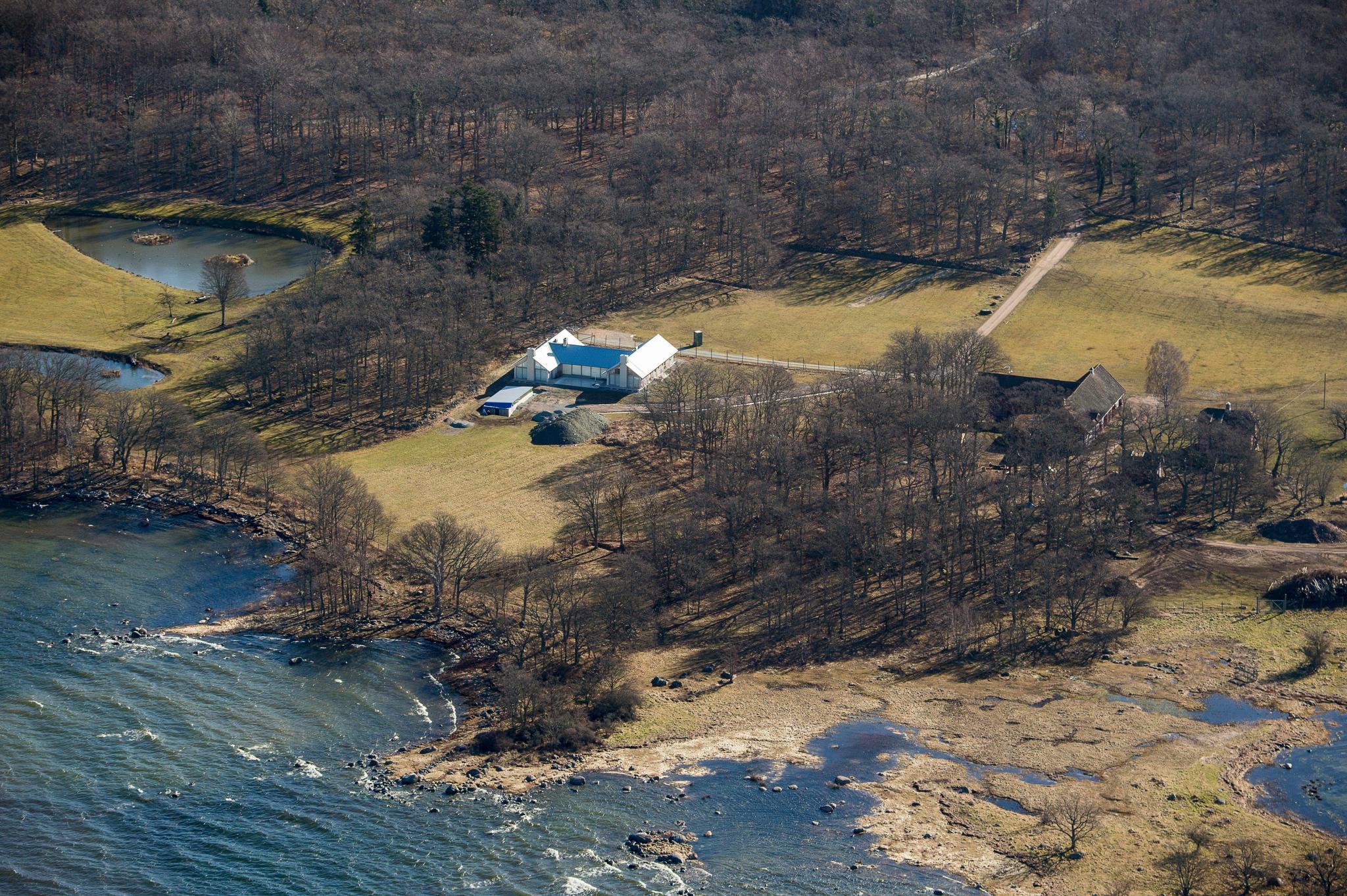 Traumhafte Lage mit Ostseeblick - diese Villa haben sich Victoria und Daniel in den vergangenen Jahren auf dem Gelände von Schloss Solliden auf Öland als Ferienhaus errichten lassen.