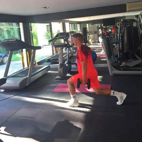 Bastian Schweinsteiger zeigt sich beim Workout.