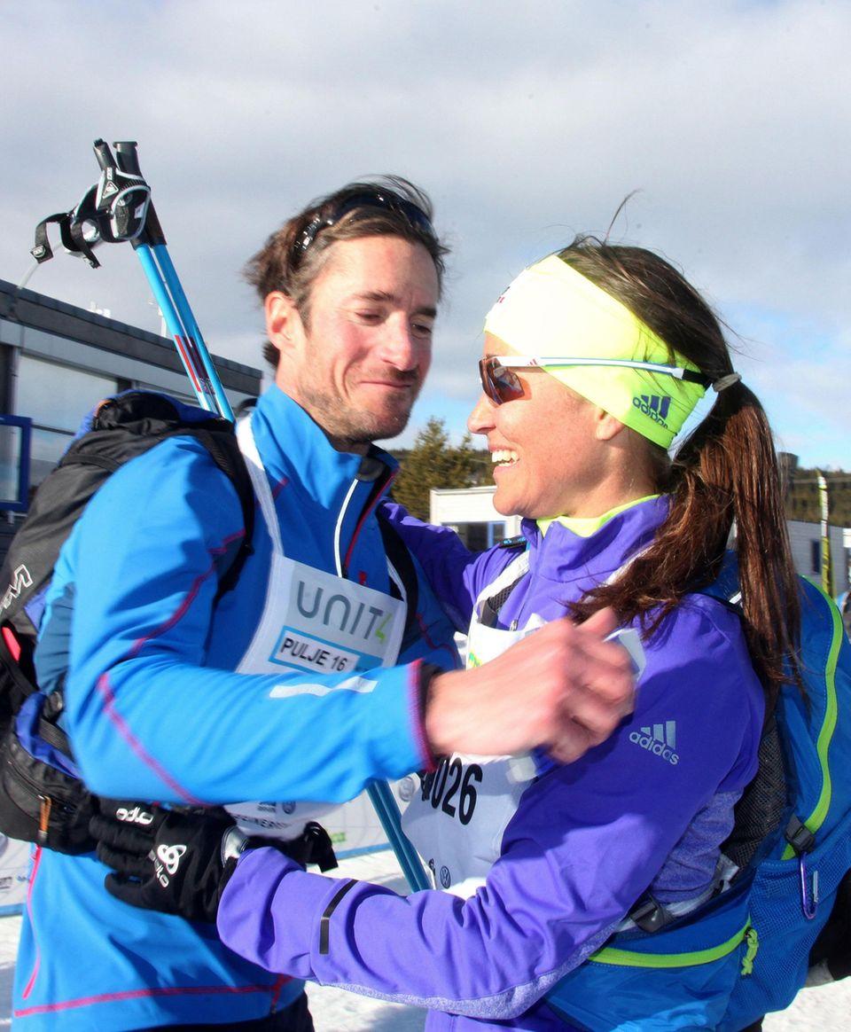 Pippa widmet sich intensiv dem Sport. Im März nahm sie mit James an einem Skirennen in Norwegen teil