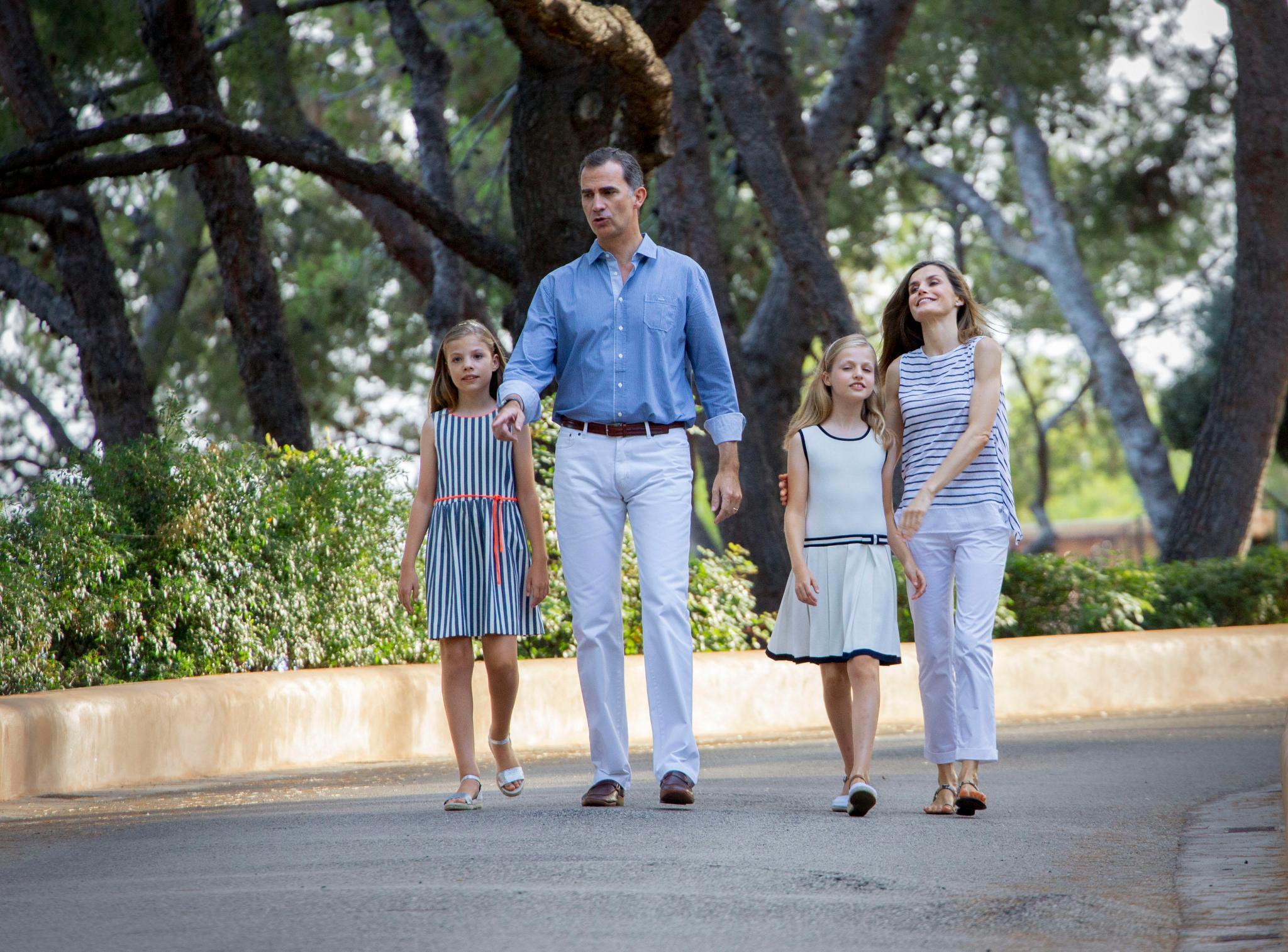 Prinzessin Sofia, König Felipe, Prinzessin Leonor, Königin Letizia beim jährlichen Sommerfotoshooting auf Marivent
