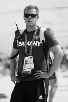 Stefan Henze
