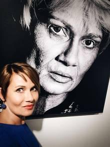"""Jenny Jürgens: Mit Fotograf Michael Güth hat Jenny Jürgens das Charity-Projekts """"Auf den 2. Blick"""" ins Leben gerufen. Noch bis zum 9. September ist die Ausstellung im Düsseldorfer Rathaus zu sehen."""