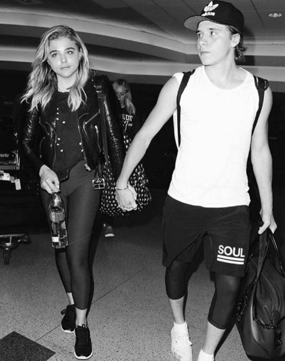 Brooklyn Beckham + Chloë Grace Moretz: Sie hatten sich gesucht und gefunden: Chloë Grace Moretz + Brooklyn Beckham.
