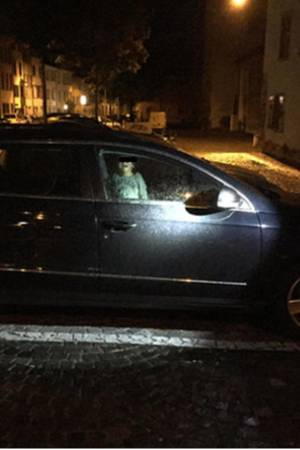 Zweijähriger wurde im Auto allein gelassen