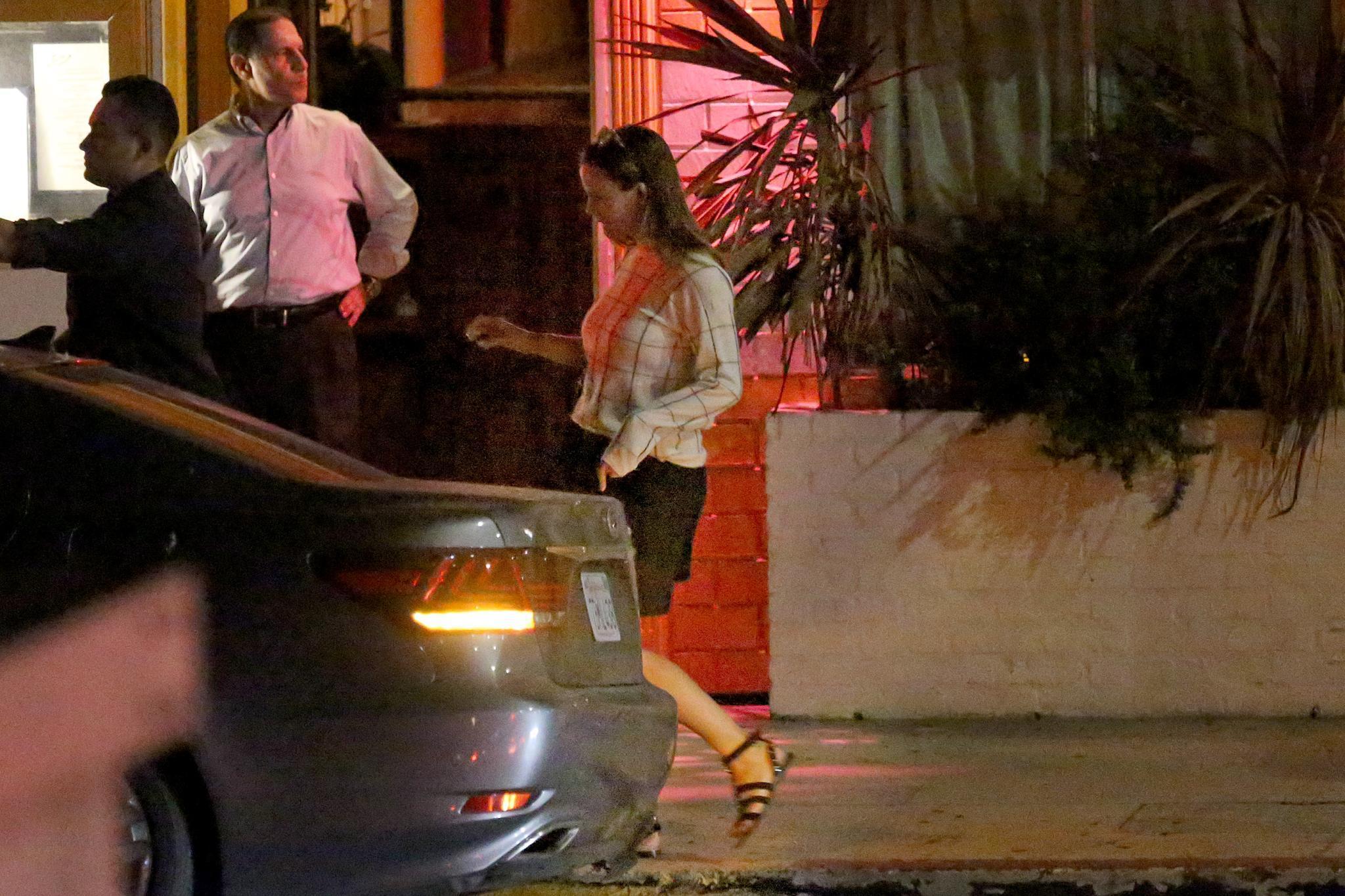 Jennifer Garner steigt zuerst ins Auto