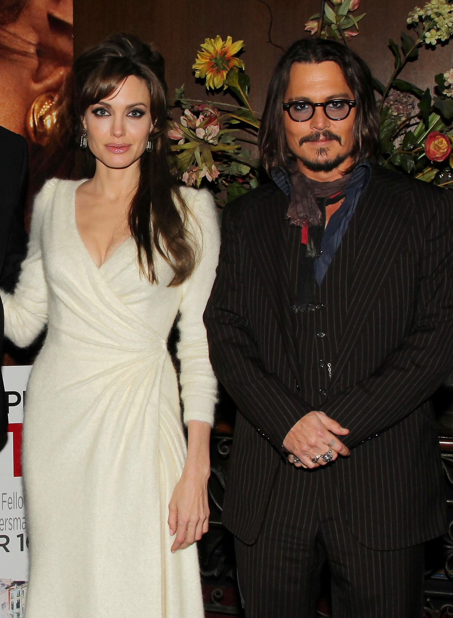 Angelina Jolie + Johnny Depp