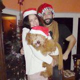 24. Dezember 2016  Mit diesem süßen Foto grüßen Rebecca Mir und Massimo Sinató ihre Fans zu Weihnachten.