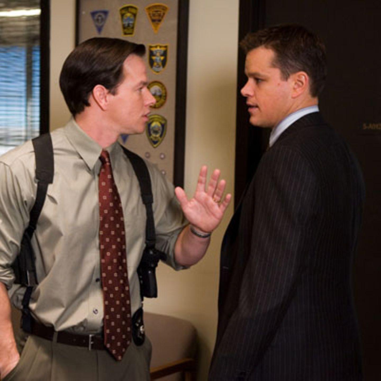Szenenbild aus Departed - Unter Feinden, Mark Wahlberg und Matt Damon