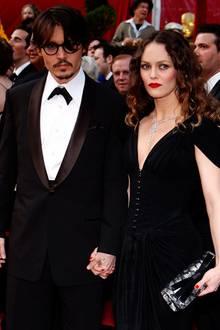 Im Juni 2012 trennten sich Johnny Depp und Vanessa Paradis offiziell. Trennungsgerüchte besagten aber die beiden seien schon sei