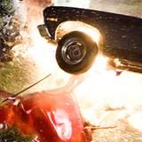 Der Film ist eine bizarre Hommage an die Car Crash Movies der Siebziger