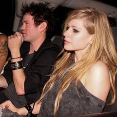 21. März 2010: Obwohl Avril Lavigne und Deryck Whibley geschieden sind, treffen sie sich noch im Chateau Marmont zum Essen.