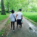 Juni 2016  Ayda und Robie machen mit Teddy und dem Familienhund einen Ausflug im Grünen.