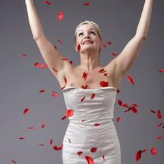 """""""Für mich soll es rote Rosen regnen, mir sollten sämtliche Wunder begegnen"""""""