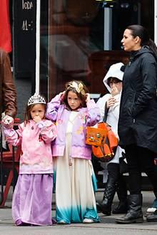 Matt Damon macht sich mit seiner Familie auf Süßigkeiten-Streifzug.