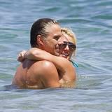 25. August 2010: Britney und Jason genießen ihre Zweisamkeit auf Hawaii.