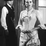 """Grace Kelly spielt in dem Western """"Zwölf Uhr mittags"""" (""""High Noon"""") an der Seite von Gary Cooper. Der Film wird zum Riesenerfolg"""