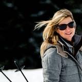 23. Februar 2015   Sie ist und bleibt eine Augenweide! Dieser Schnappschuss beweist, auch auf Skiern sieht Königin Máxima umwerfend aus.