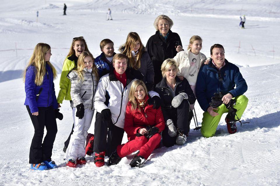 """Die niederländische Königsfamilie fährt bereits seit 1959 in den Nobelskiort. Prinzessin Beatrix liebt es, dort mit ihrer Familie Ski zu fahren. Während ihres Aufenthaltes in Lech, haust die Familie traditionell im """"Hotel Post""""."""
