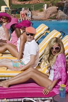 HSM 2: Die einen genießen das Leben (und Liegen) am Pool