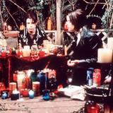 """Fairuza Balk und Neve Campbell in """"Der Hexenclub""""; 1996"""