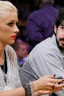 13. Oktober 2010: In einer offiziellen Bekanntmachung lässt Christina Aguilera mitteilen, dass sie und ihr Ehemann nicht mehr zu